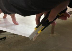 Отрезаем концы кромки 0,4 мм.